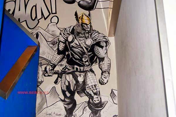 Graffiti Mural de Thor, el dios del trueno