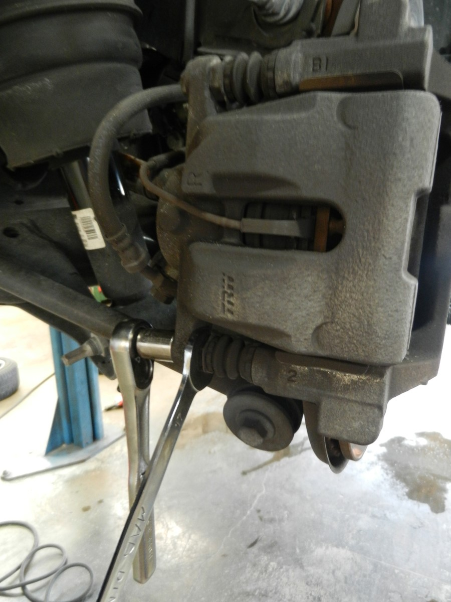 youtube land rover brake rear landrover pads to watch replace how range