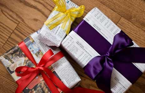 Как газетой завернуть подарок