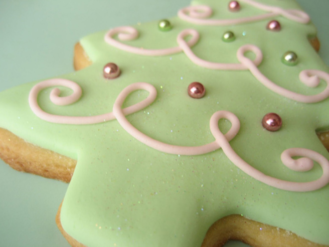 this sugar cookie icing recipe is ideal for decorating sugar cookies ...
