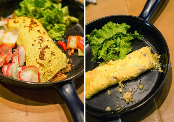 Left: Indonesian Omelette - Rolled omelette stuffed with Nasi Goreng Kampung | Right: Swiss Omelette - Wild mushrooms & emmental cheese omelette (Culinary Bonanza)