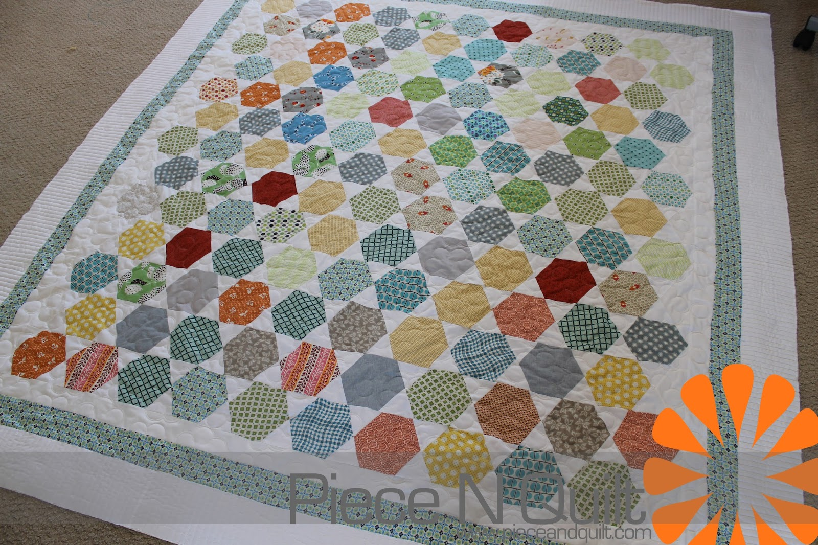 Piece N Quilt: August 2013 : hexagon quilt kit - Adamdwight.com