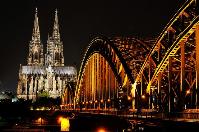 The city of Cologne at night