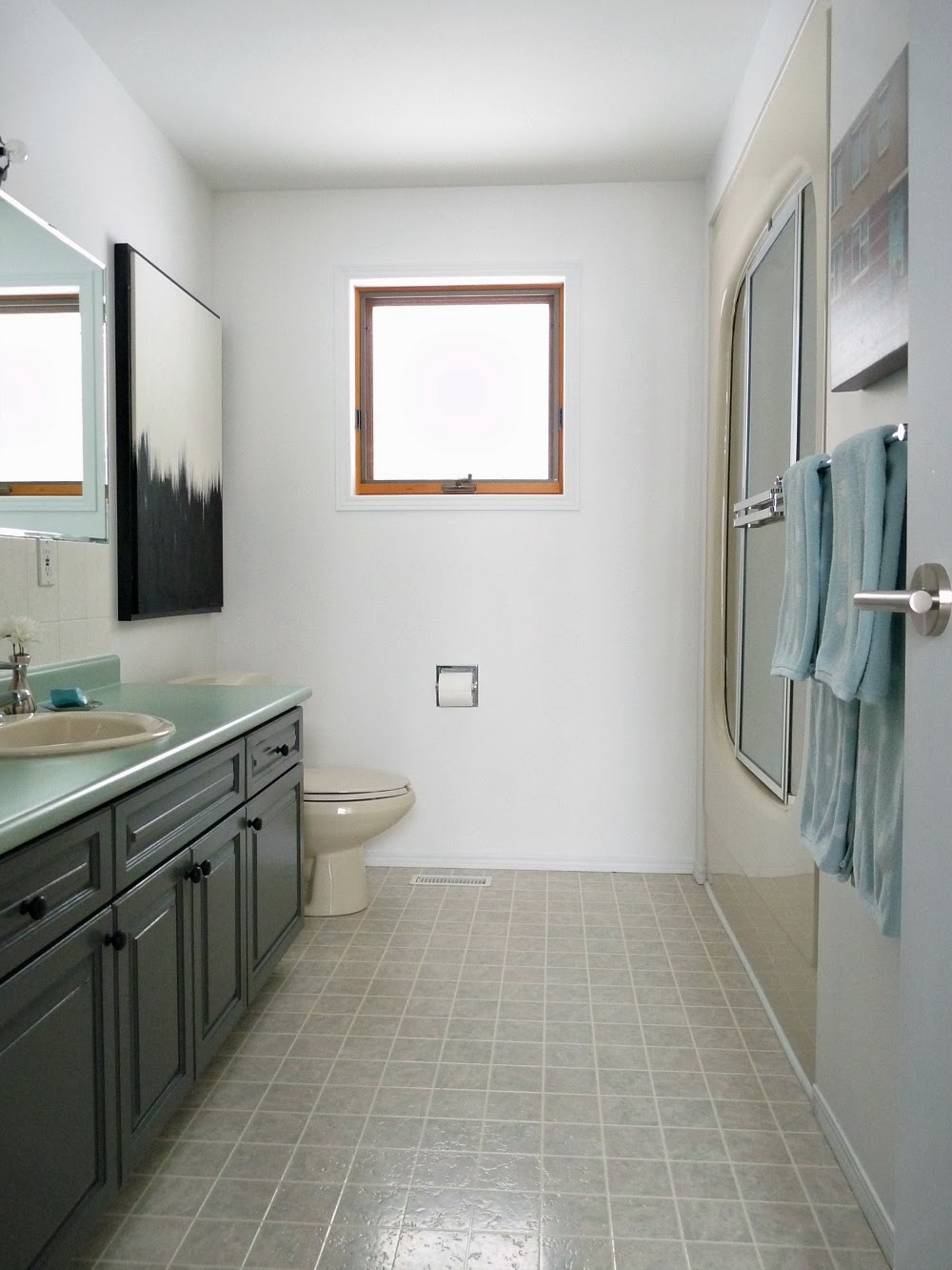 A BudgetFriendly Bathroom Makeover Using Paint Dans Le Lakehouse - Budget friendly bathroom remodels
