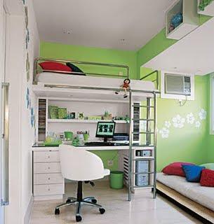cama no alto com escrivaninha em baixo