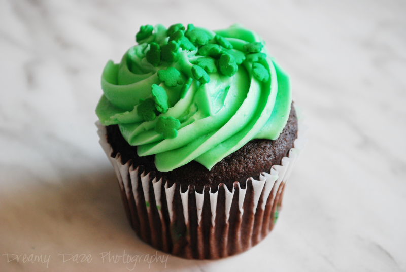 shamrock cupcake green st. patrick's day holiday dessert food