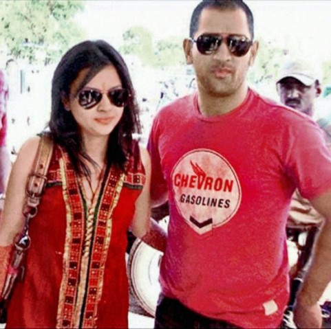 Cricketoria: Dhoni's wife Sakshi Marriage Photos
