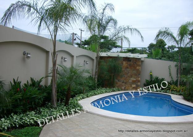 Detalles armon a y estilo cascadas piletas paredes de for Piletas de agua para jardin