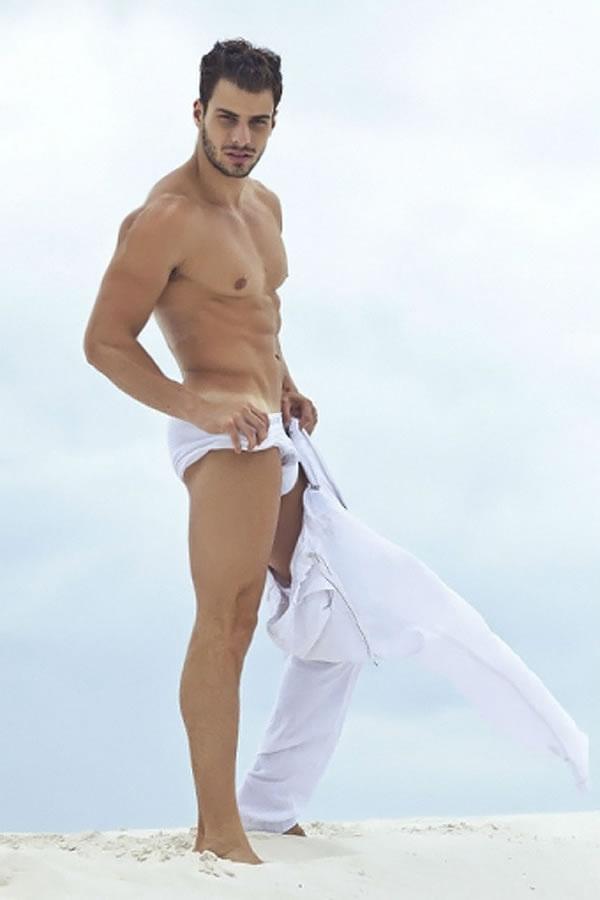 ... Male Model Lucas Malvacini for Revista Junior N°35 Male Underwear
