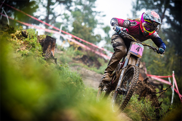 2015 Vallnord UCI World Championship Downhill: Practice Tracey Hannah