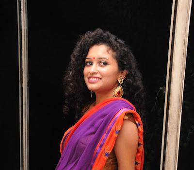 Pora pove movie soumya in saree photos gallery