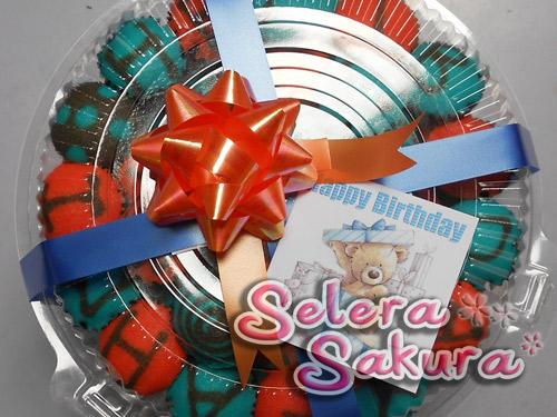 Tak Ada Birthday Cake, Selera Sakura Buat Birthday Gift