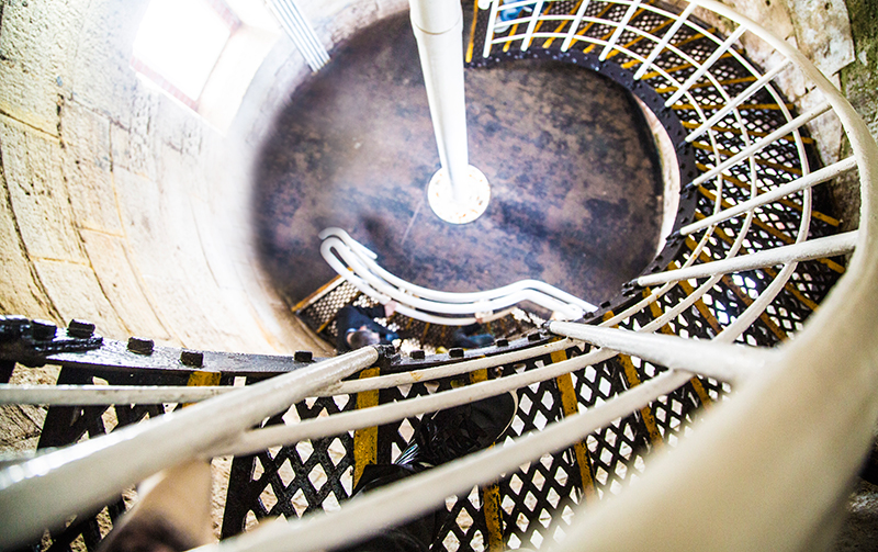 CrystalPhuong- Singapore Travel Blog- Spiral staircase inside Cape Leeuwin Lighthouse