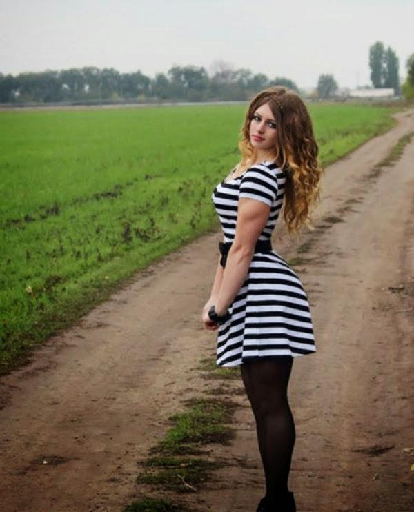 جوليا فينز الروسية الجميلة ذات الوجه الملائكي و العضلات القوية!