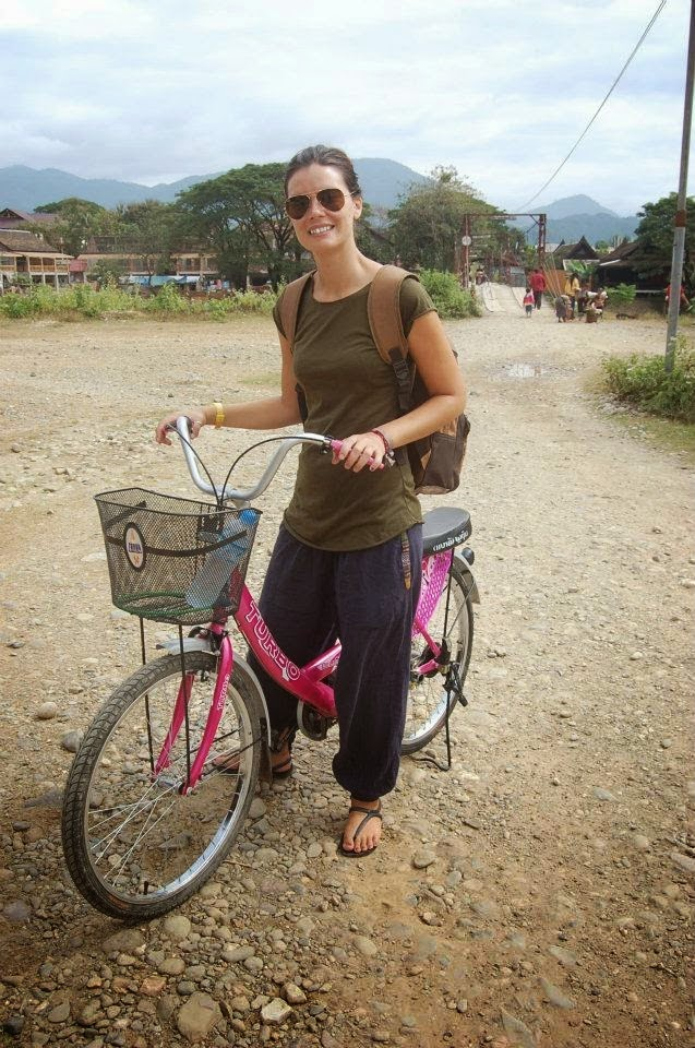 Shanti Free Bird - biking in Laos