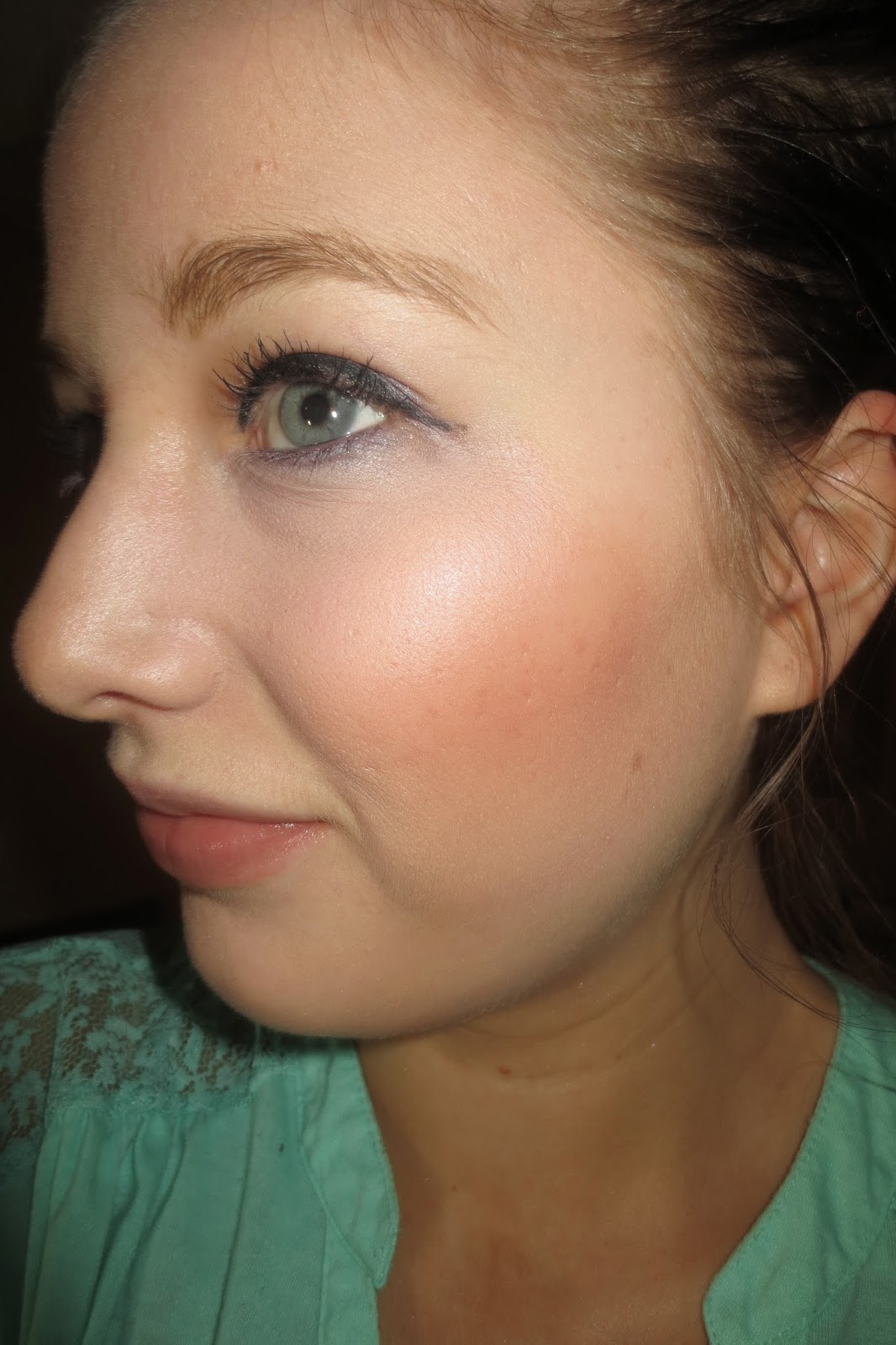 Stila Convertible Color in Camellia on Cheeks