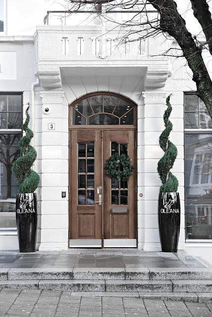 Interior Design exteriors door garden design modern