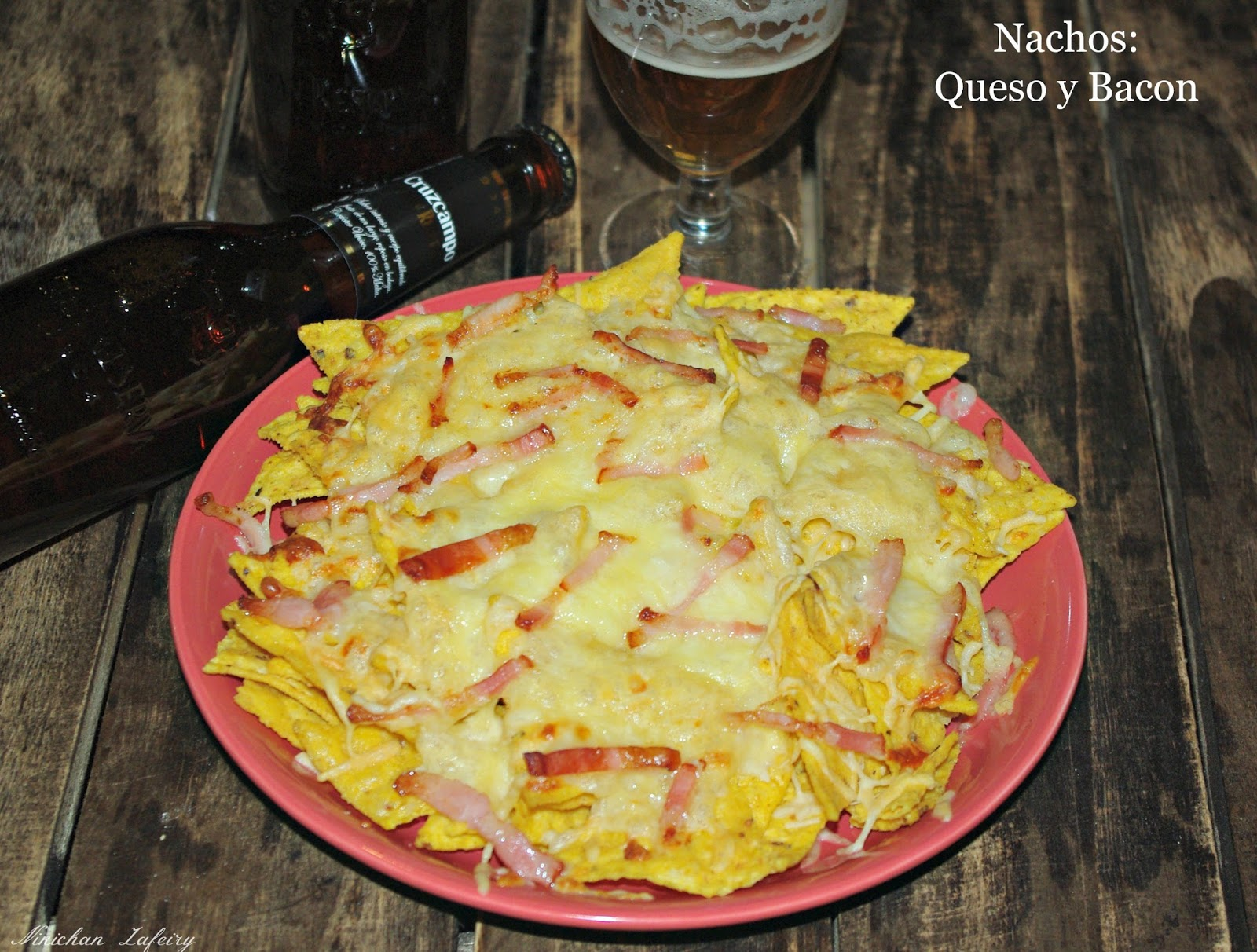 Cena para dos con nachos queso y bacon y quesadillas for Ideas para una cena de picoteo