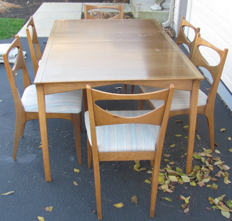 Looking In Profile; Drexel Profile Dining Table (Status: Hometown Ish Super  Find)