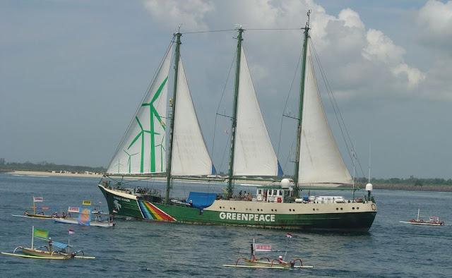 Kapal Rainbow Warrior Diperbolehkan ke Indonesia