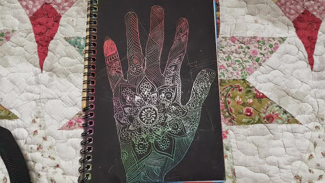 Decorating the left hand
