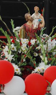 Carreata mobilizou fiéis e moradores que participaram efetivamente de momento de fé