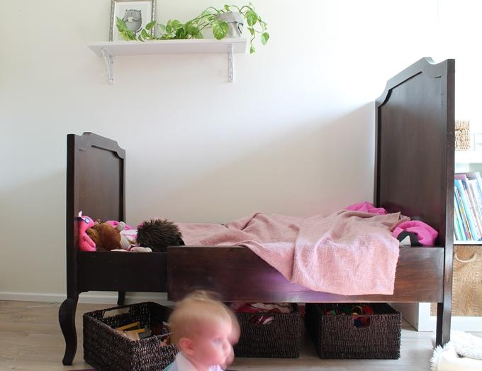 sängynaluslaatikot järjestykseen lastenhuoneen siivoaminen organisointi