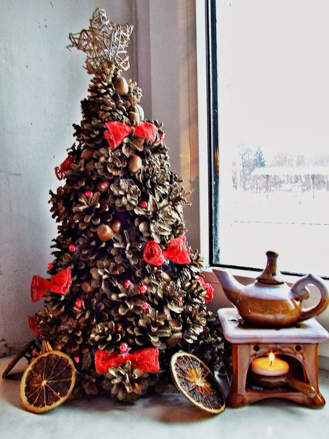 Relas decorazioni natalizie in stile country idee fai da te e ispirazioni - Decorazioni con le pigne per natale ...