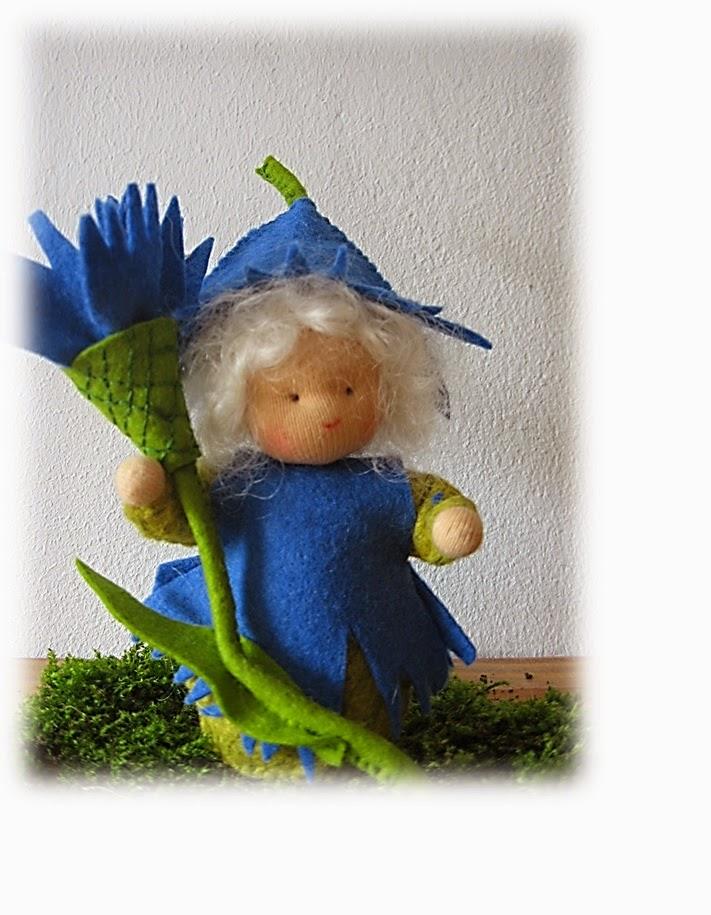 Mieke Stender korenbloem popje