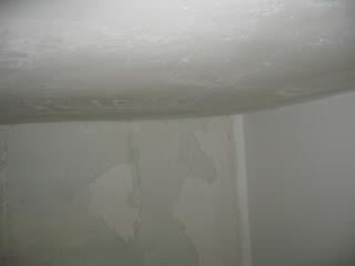 выравнивание потолка на кухне шпаклеванием - конечный результат