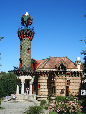 """Capricho de Gaudí"" by Ana maria cuevas - Own work. Licensed under CC BY-SA 3.0 es via Wikimedia Commons - https://commons.wikimedia.org/wiki/File:Capricho_de_Gaud%C3%AD.jpg#/media/File:Capricho_de_Gaud%C3%AD.jpg"