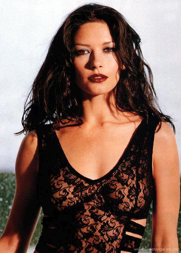 catherine zeta jones hot wallpapers. Catherine Zeta Jones-Hot