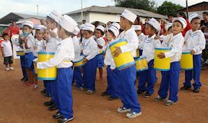 Desfile de Crianças no 20º Aniversário de Santa Rosa