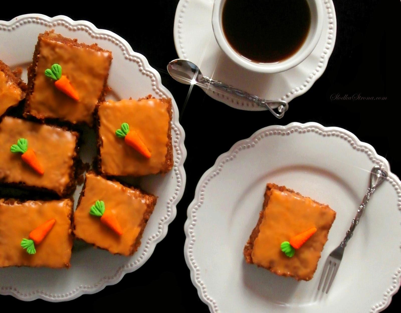 Ciasto Marchewkowe z Nutą Pomarańczy o Lekko Korzennym Smaku - Przepis - Słodka Strona