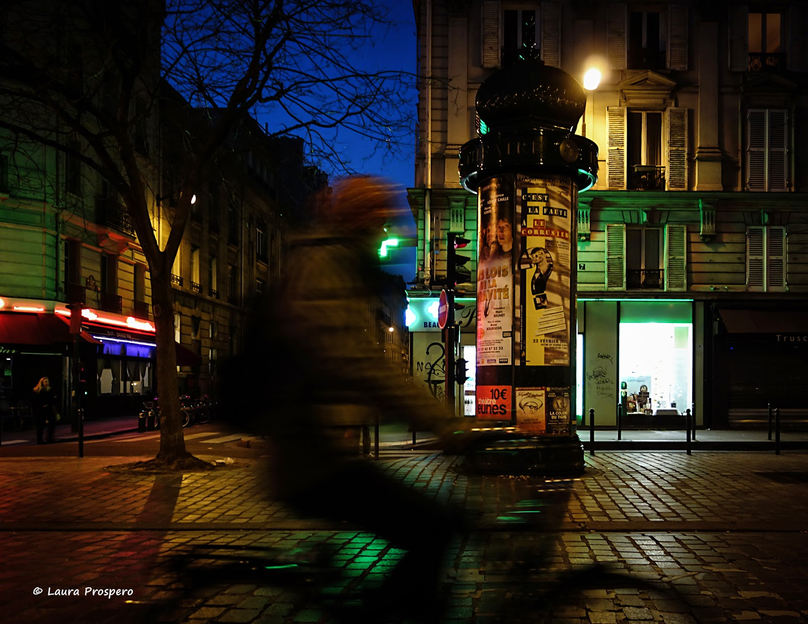 Colonne Morris, Place de la Fontaine Timbaud © Laura Prospero