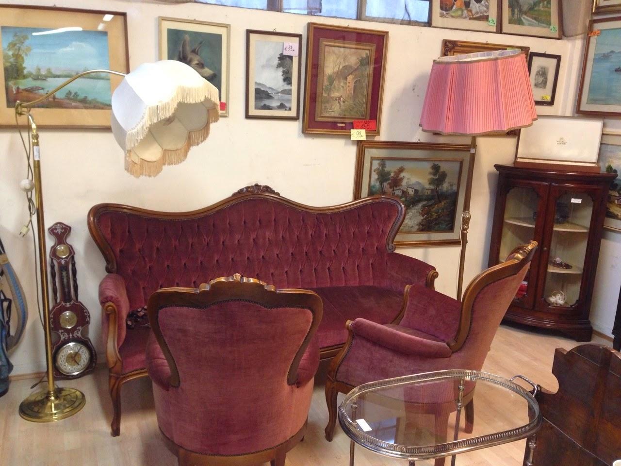 La piazza degli affari: mobili d'arte povera, classica, vintage ...
