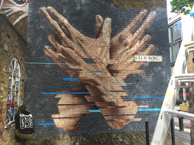 Berlin-based James Bullough is currently in London where he just finished working on a new piece on the streets of Trendy Shoreditch.