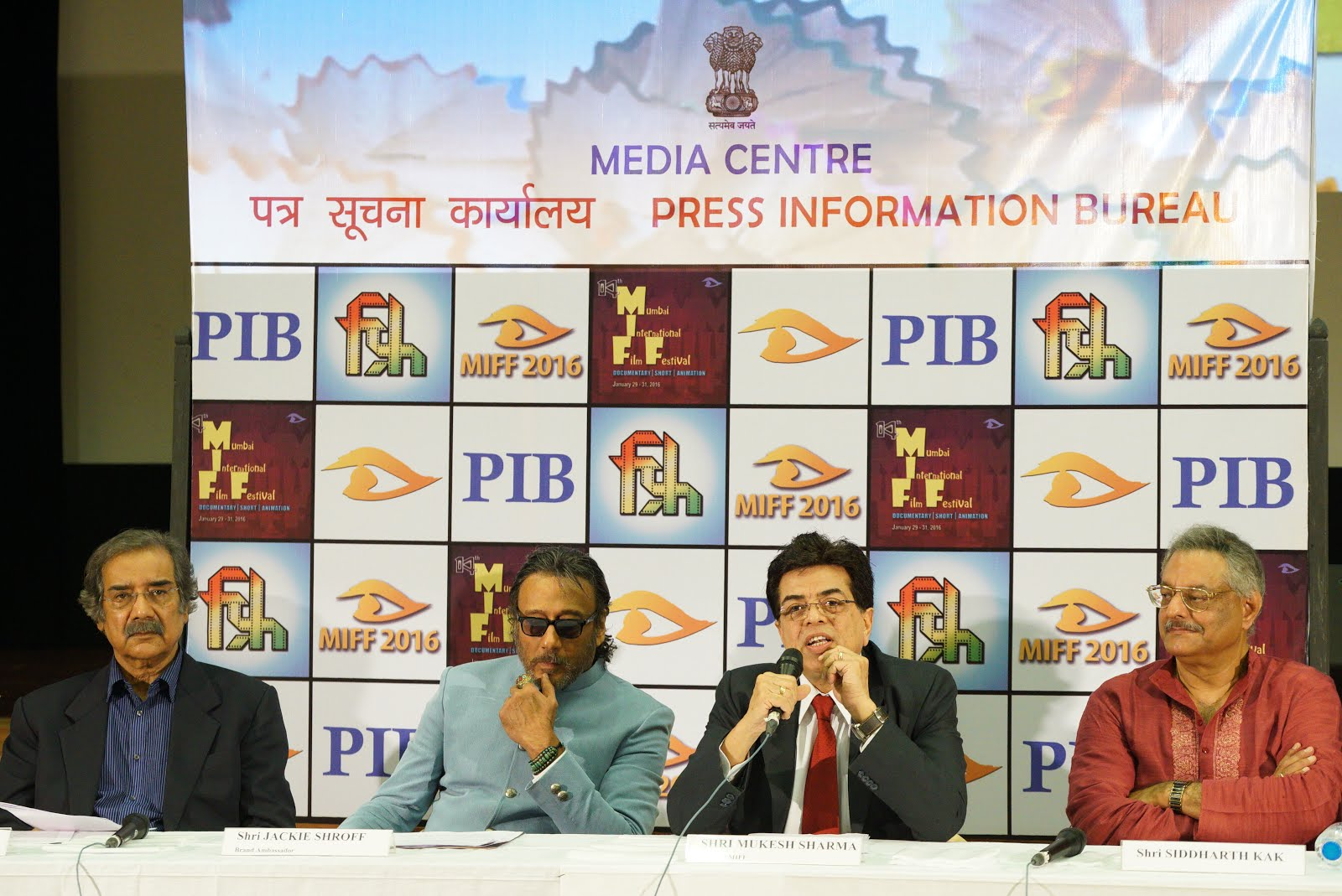 With Siddarth Kak, Jackie shroff and Mike Pandey at the MIFF Press meet at FD
