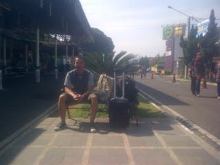 Saat sebelum balik ke kampung dari bandara Husein Sastranegara