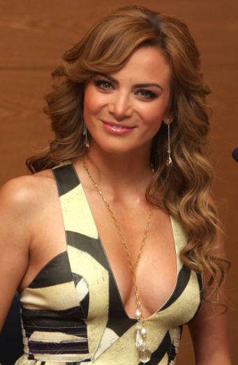 Silvia Navarro regalándonos una bella sonrisa