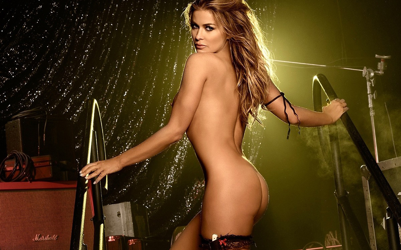Carmen electra hot ass