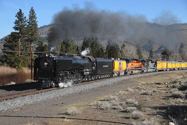 Gambar Kereta Api Lokomotif Uap Union Pacific Northern 4-8-4 844 07