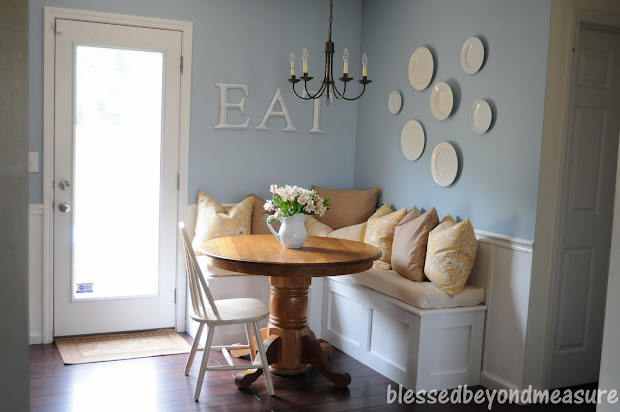 Small Kitchen Banquette Seating