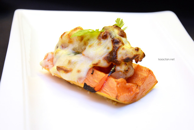 Yakimono - Baked papaya with seafood and mushroom (Papaya Motoyaki)