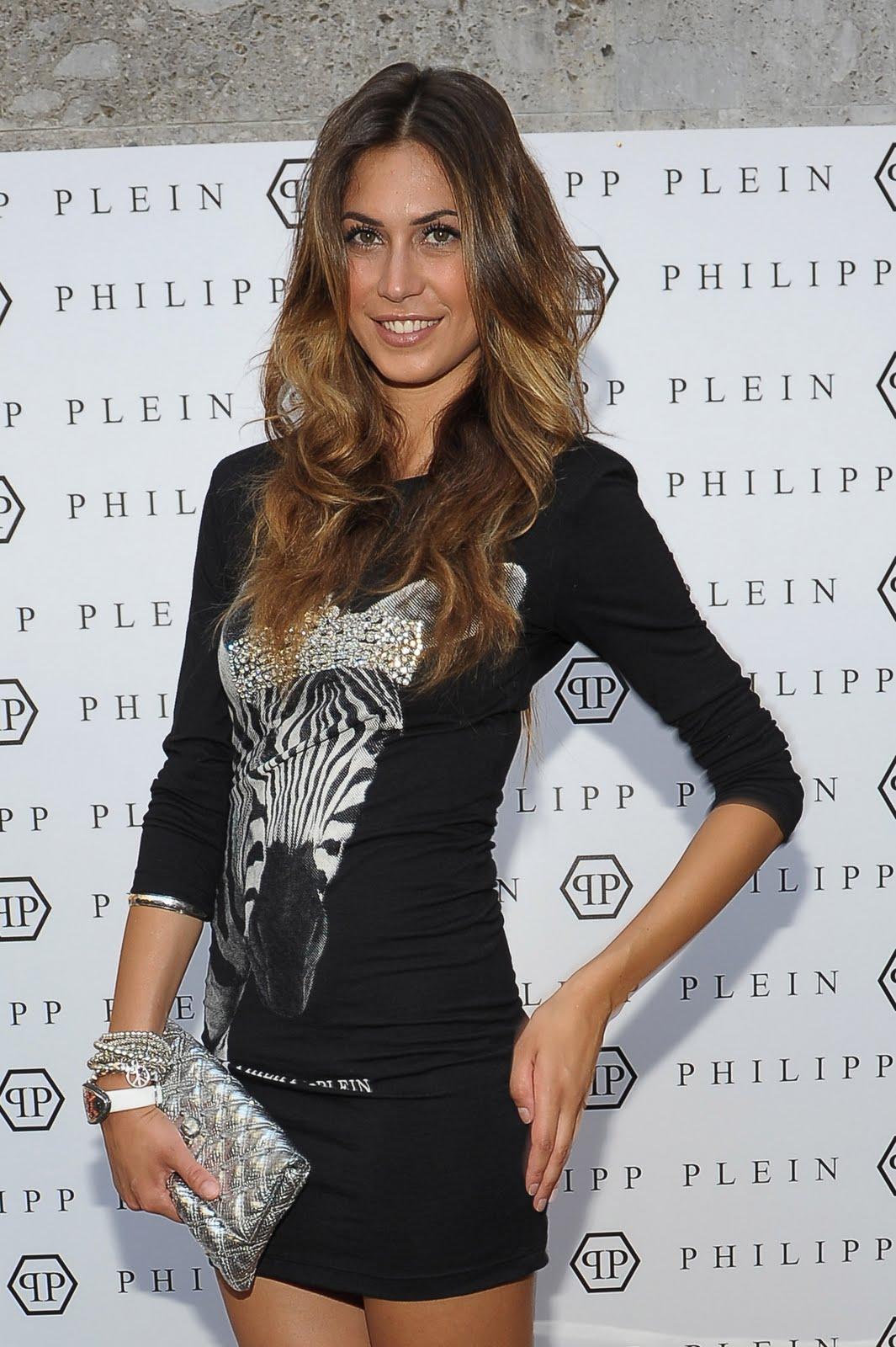 Celebrity life-news-photos: Melissa Satta ad un party