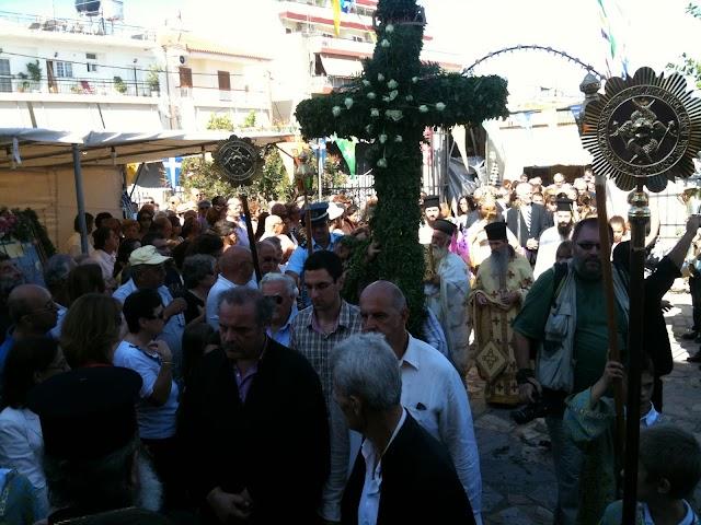 Ενωτικός εορτασμός στην εορτή του Τιμίου Σταυρού με υποτονική κίνηση στο πανηγύρι