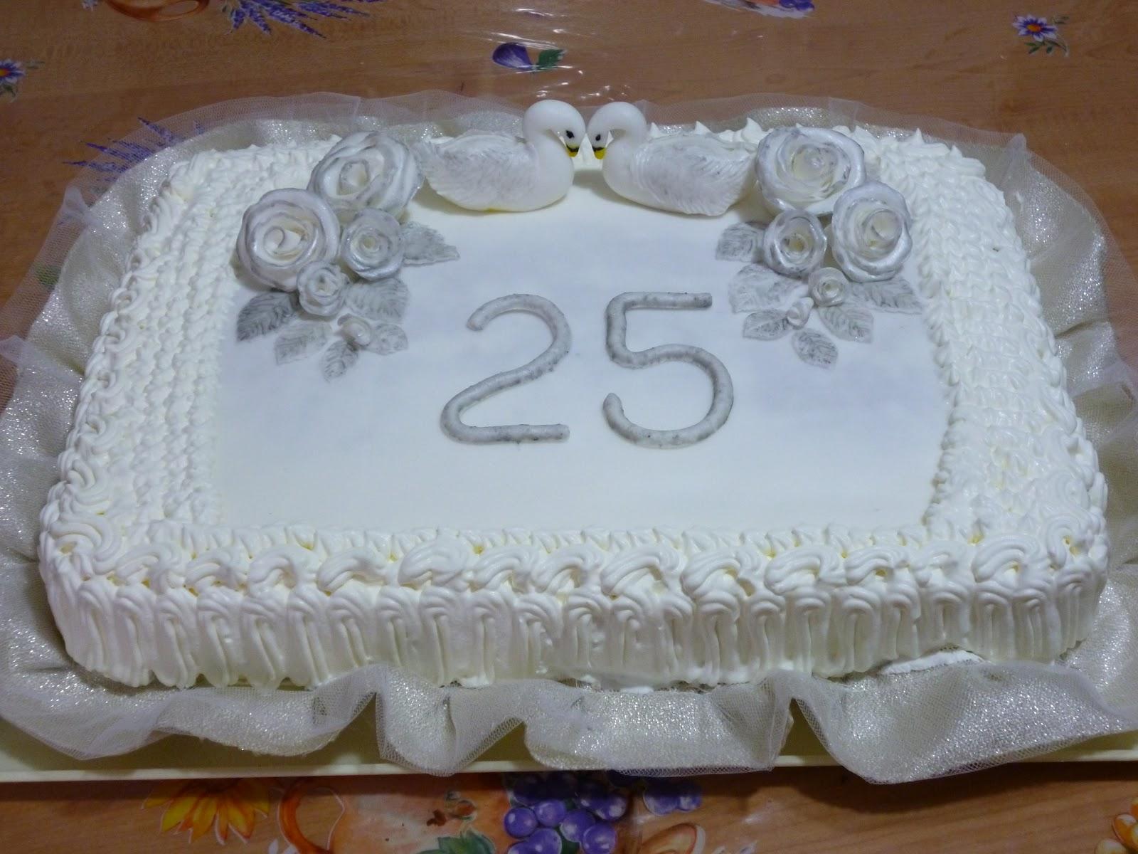 Favoloso come decorare una torta per anniversario di for Decorazioni torte per 60 anni di matrimonio