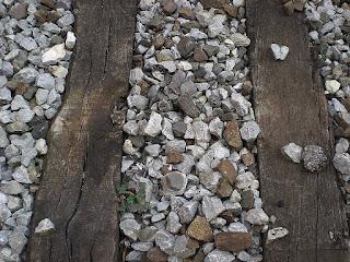 Ballast è la massicciata formato dal pietriccio che ricopre la sede ferroviaria