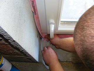 Montaż warstwowy okna - wykończenie
