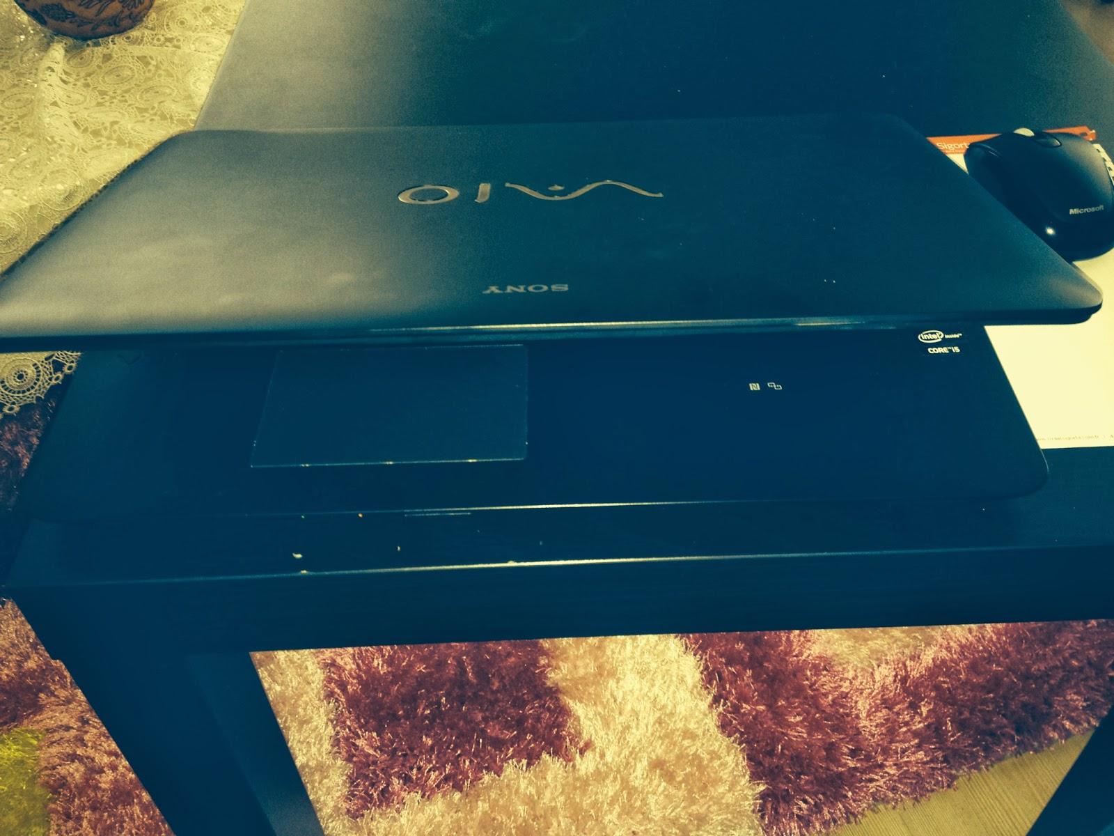 Sony SVF1521JSTB